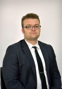 עורך דין מיכאל דקר