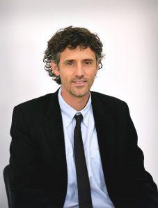 المحامي يهوشع فيكس