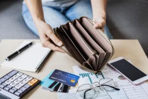 ביטול עיקול על חשבון בנק או משכורת